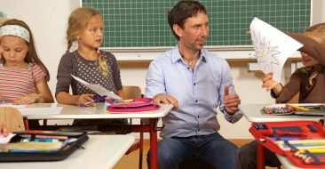 3 SIMPLE WAYS TO GET YOUR STUDENTS TALKING